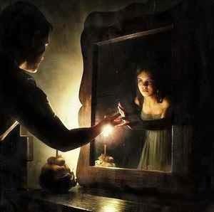 Resultado de imagen de La vela encendida y reflejada en el espejo