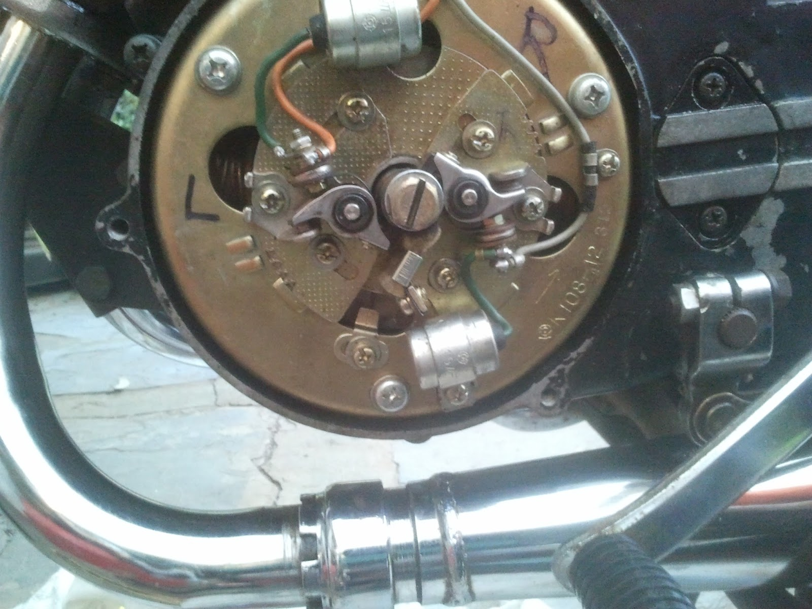 ignition timing spot on yamaha rd 125 a 1974 [ 1600 x 1200 Pixel ]