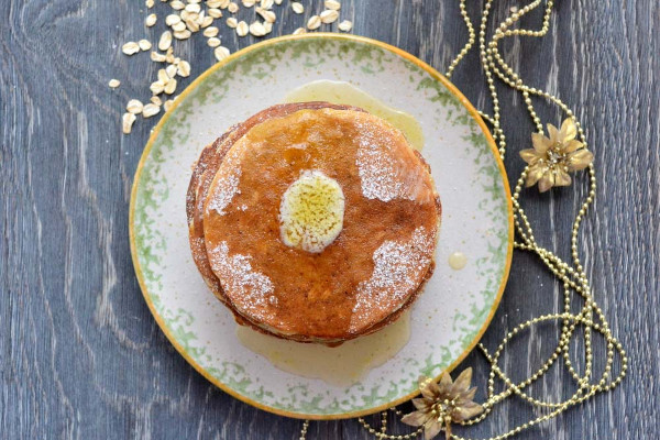vegetarian diet: oat flake pancake