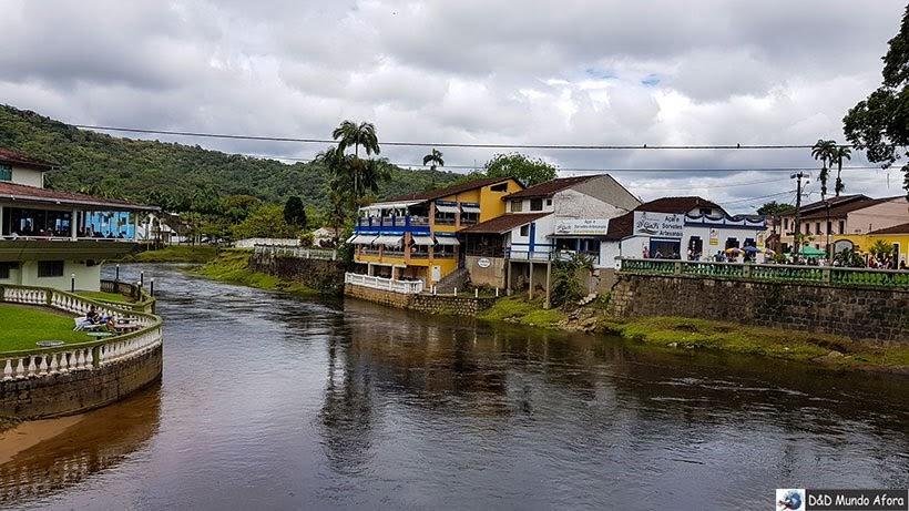 Rio Nhundiaquara em Morretes, Paraná - Passeio de trem de Curitiba a Morretes