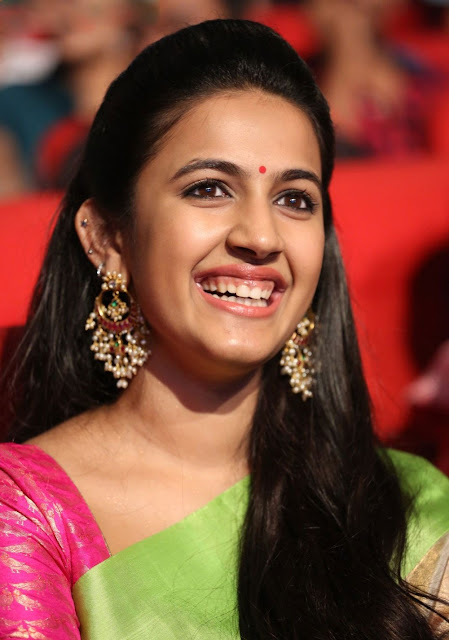 Niharika Konidela Profile Wiki Biography Biodata Weight Height Body Measurements Family Boyfriend Photos More.