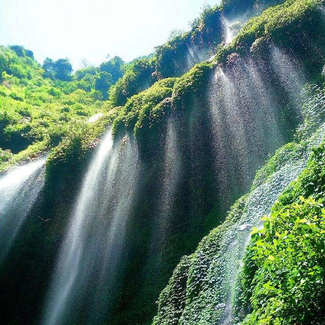 foto keindahan air terjun madakaripura
