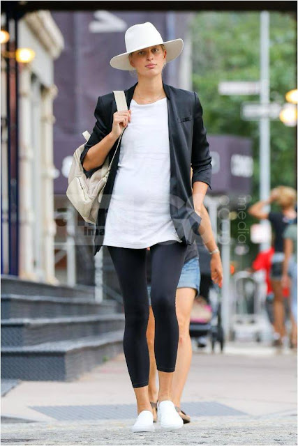 Karolina Kurkova Maternity Leggings