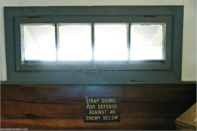 Trap Doors del Block House en el Fort McClary State Historic Site en Kittery, Maine