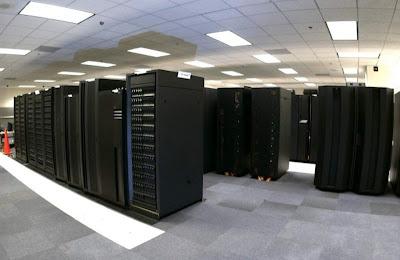 "Supercomputadora ""Mira"""