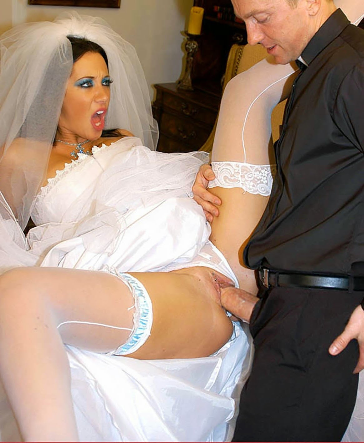 Perverted desire of married clerk