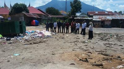 Komisi III Dprd Agam Langsung Tinjau  Pasar Terkait Permasalah Sampah.