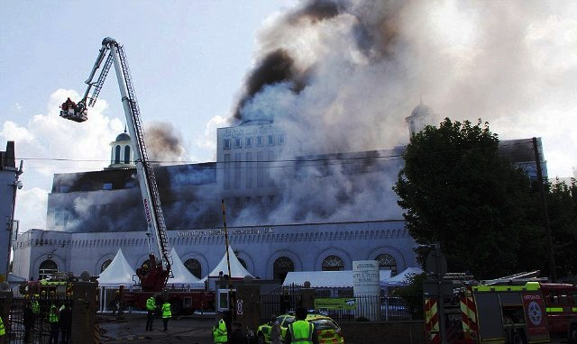 europes biggest mosque in london burned down