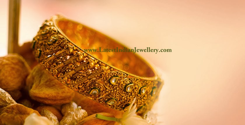 Tanishq Bridal Gold Bangle