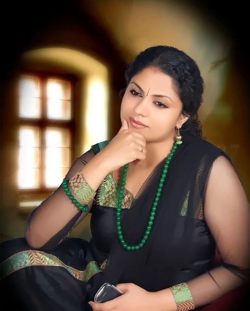 Asha Sarath Hottest Photos
