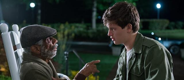 CJ Jones y Ansel Elgort en un fotograma de la película Baby Driver