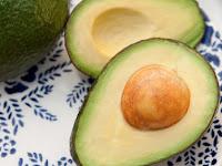 23 Faedah Buah Alpukat Untuk Kesehatan, Diet, Penyembuhan, Rambut, Kulit, dan lain-lain