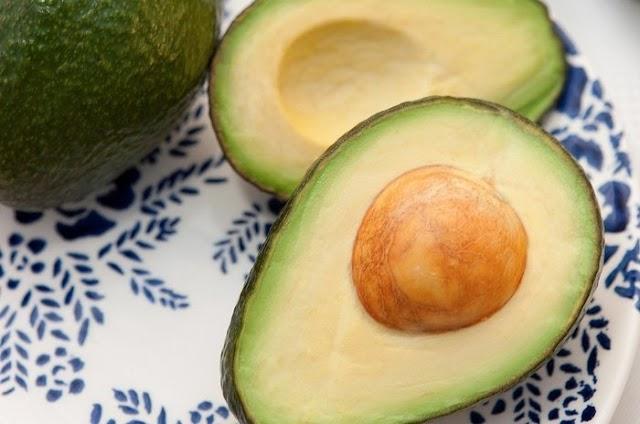 23 Manfaat Buah Alpukat Untuk Kesehatan, Diet, Pengobatan, Rambut, Kulit, dll