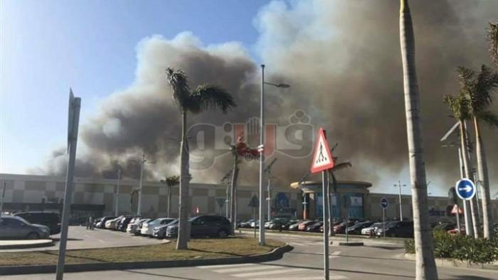 حريق هائل يتسبب في إعاقة المرور بطريق القاهرة الإسكندرية الصحراوي