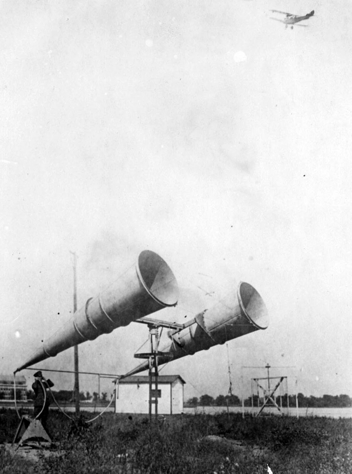 A pair of enormous amplifiers used by the U.S. Naval Air Service for locating and contacting aeroplanes by day and night. 1925