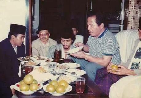 Kisah Aneh Dua Waliyullah Gus Miek Dan Habib Ahmad As Syakaf