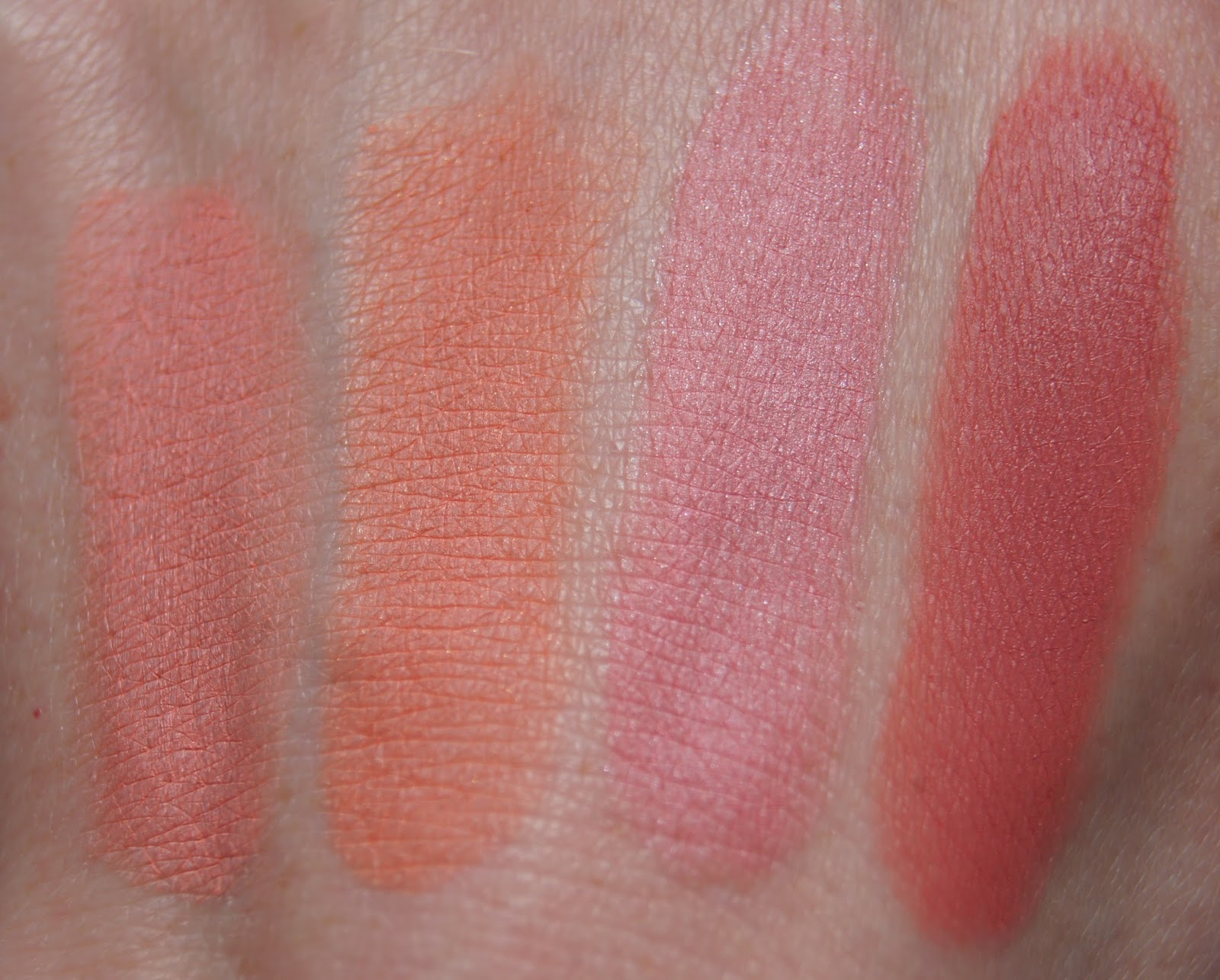 bourgeois little round pot cream blush swatches