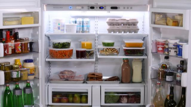 Makanan-makanan Tidak Sehat yang Biasa Ada di Kulkas