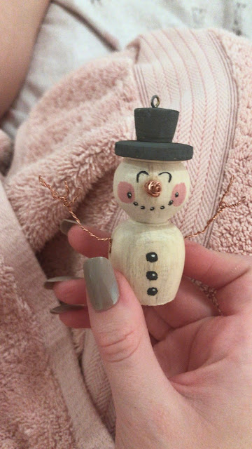 How To Make A Wooden Snowman Tree Decoration - Easy DIY (Step By Step Guide)