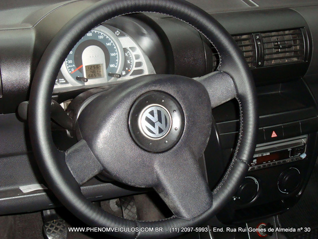 Volkswagen Fox 1.0 Flex 2007 Plus 2 portas - interior