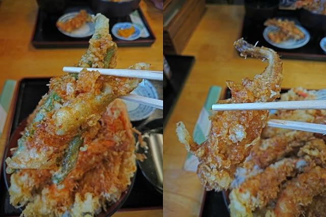 海鮮天丼のてんぷらの写真