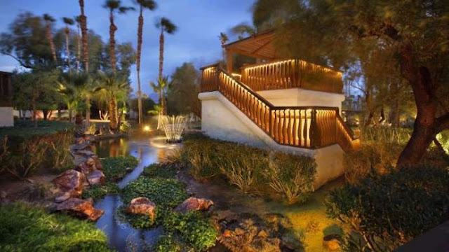 La Casa del Zorro is San Diego County's most celebrated and luxurious desert resort, just 90 miles northeast of downtown San Diego and a three-hour drive from Los Angeles. Borrego Springs Airport is only five minutes away, with complimentary transportation available.