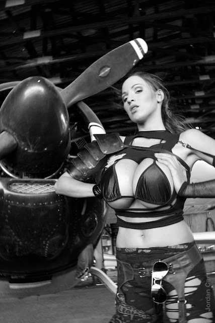 Jordan-Carver-Airplane-HD-Photoshoot-Image_3