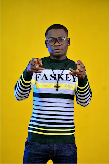 """9 - SKIP - ZEE releases hot new pictures in anticipation of his debut single """"HOLIDAY"""""""