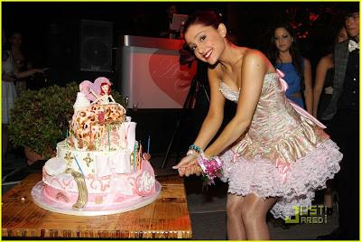 Last News Cumplea 241 Os De Ariana Grande