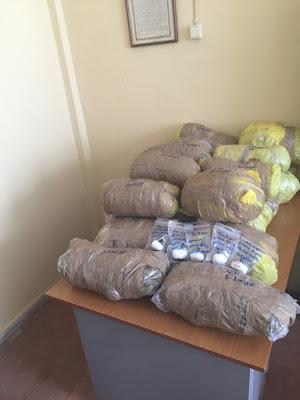 Εντοπίστηκαν 22,4 κιλά κάνναβης και 5 συσκευασίες με άγνωστη λευκή ουσία