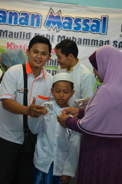 Salah satu anak peserta khitanan massal gratis