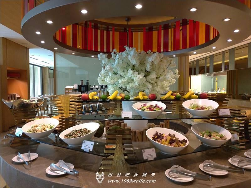 日月千禧酒店 自助海鮮無限量吃到飽 饗樂全日餐廳 - 出發吧! 沃爾夫.