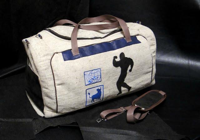 Подарок бодибилдеру - спортивная сумка Бодибилдинг. Персональный подарок мужчине, тренеру, спортсмену на заказ