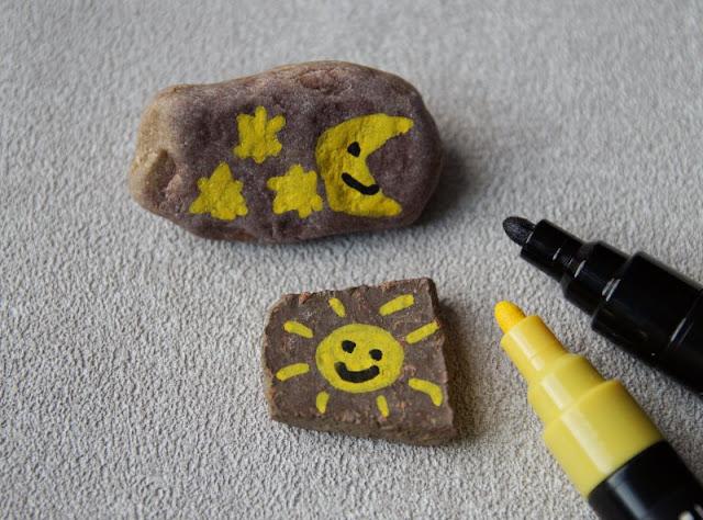 DIY: Steine mit Stiften bemalen - Tipps für Anfänger. Tolle Farben haben die Stifte von Posca, mit denen auch Laien und Ungeübten sowie Kindern das Bemalen und Beschreiben leicht fällt!