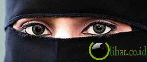 Menceraikan suami yang ingin membuka burka