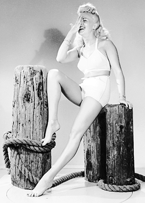 http://msmildred.tumblr.com/post/154338446124/normajeanebaker-betty-grable-photographed-by