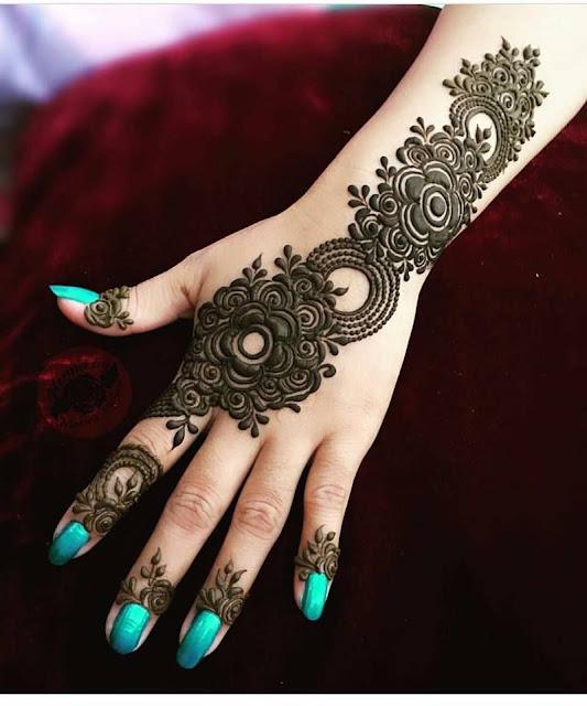 Easy Mehndi Design Photos