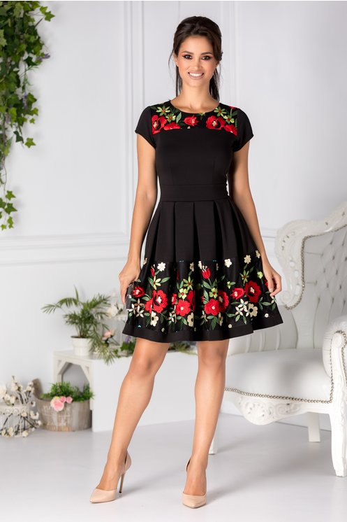 Rochie neagra eleganta de zi cu broderie florala pastelata ieftina