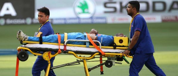 Hardik Pandya On Stretcher against pakistan | Asia cup 2018