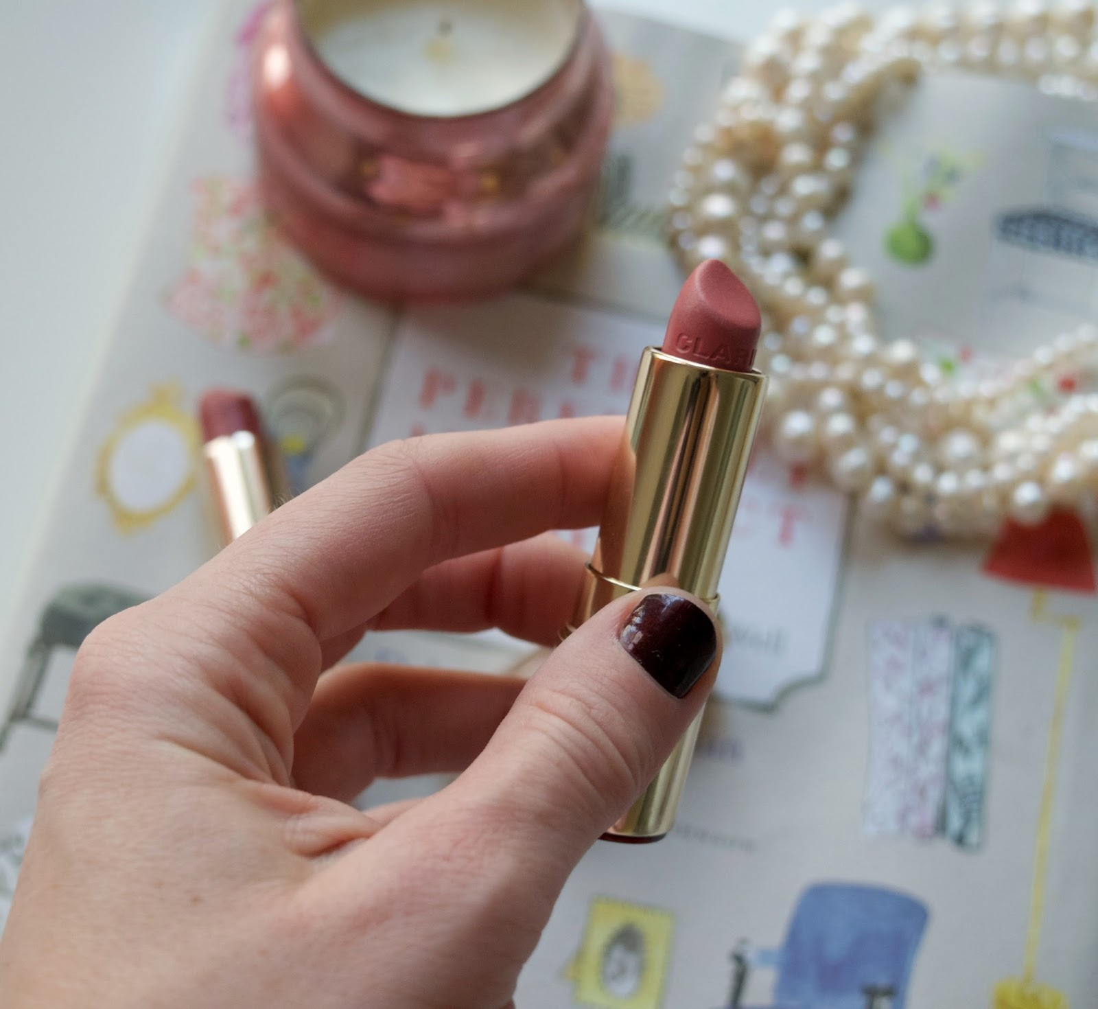 clarins lipstick - clarins joli rouge lipstick - neutral winter lipstick - tea rose - soft berry