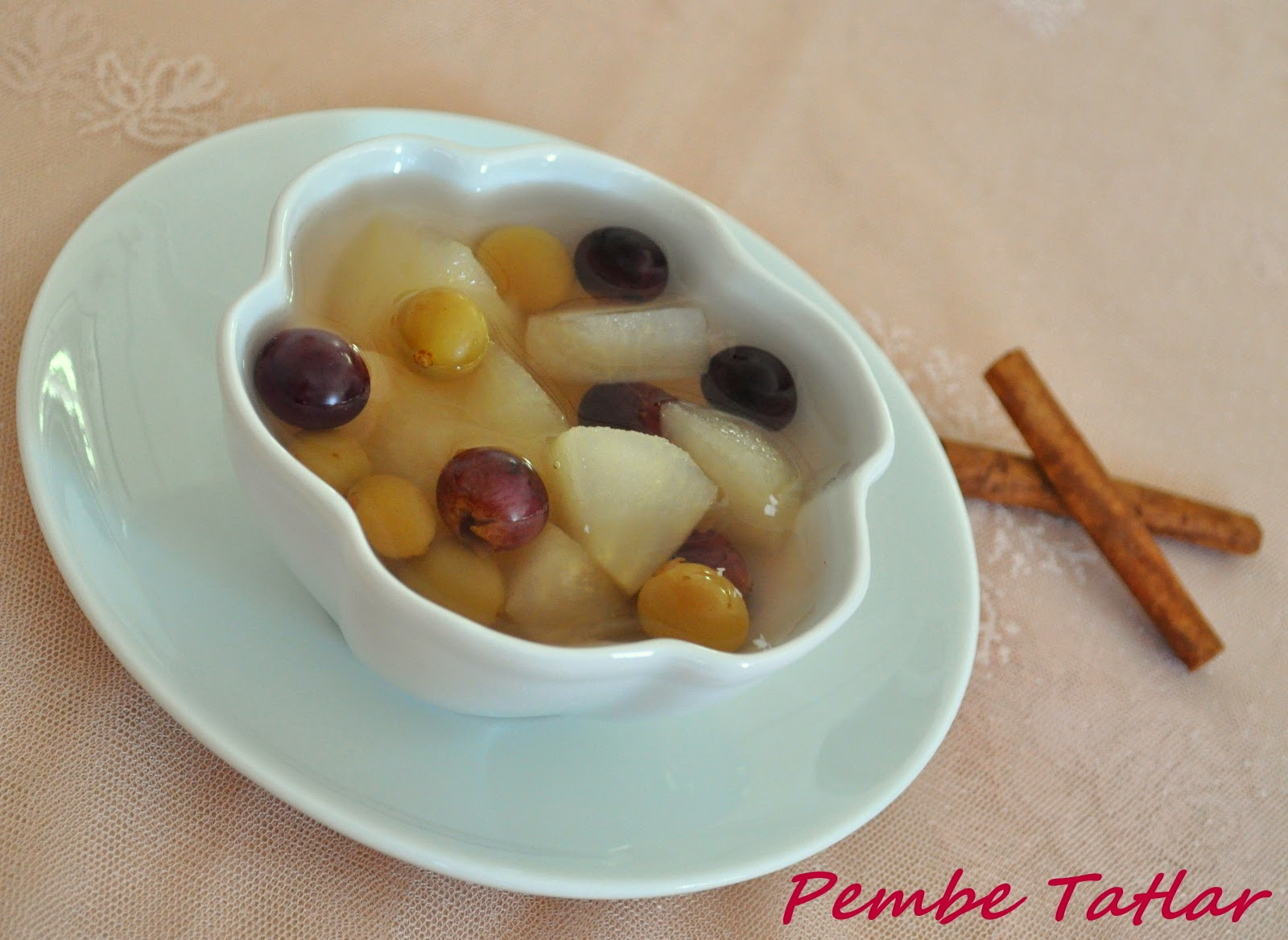 Elma Kompostosu (Elma Hoşafı) Tarifi