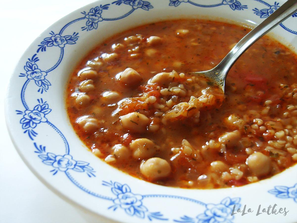 Суп с булругом и нутом