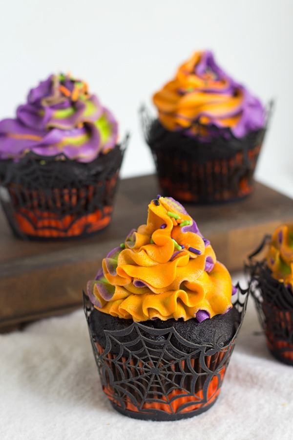Halloween Swirled Cupcakes from Cookie Dough and Oven Mitt