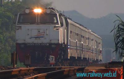 Kereta Api Mutiara Selatan Naik Tingkat Menjadi KA Eksekutif Bisnis
