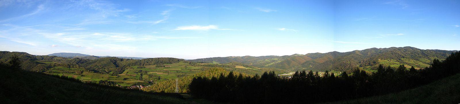 Panorama ze stoków Makowicy.