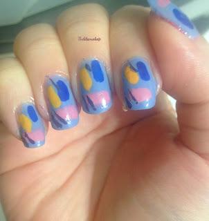 pop_abstract_nail_art