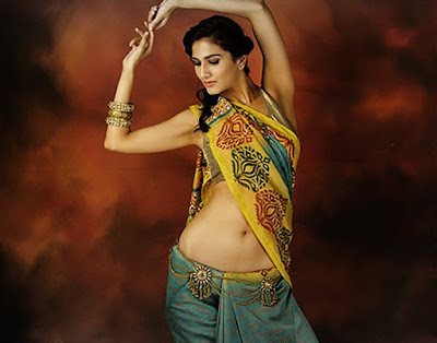 In ancient Indian tradition, Lord Vishnu navel is considered to be the main source of creativity and life.Watch complete DIY video and learn how to wear indian saree below navel.