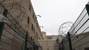 Insolite : un prisonnier s'évade... en se faisant passer pour son jumeau, venu lui rendre visite !