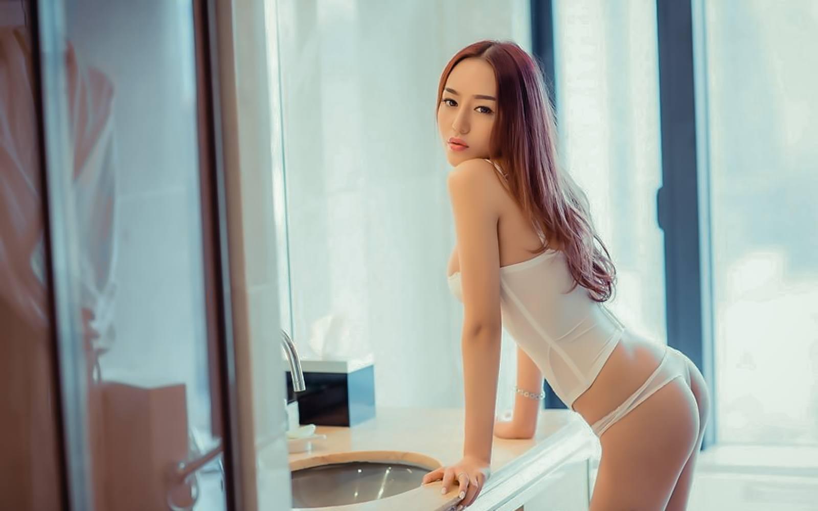 Mi%2BYeon%2BLee%2B%25E6%259D%258E%25E7%25BE%258E%25E5%25A6%258D%2B %2BBubbles Covered%2BNude%2BOutdoors%2B %2B009 - Korean Nude - Big Albom Remain #A-korean girl