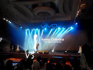 Kenny Chandra saat mempresentasikan #VivoV5